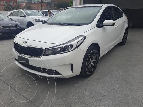 Kia Forte Sedan LX usado (2018) color Blanco precio $180,000