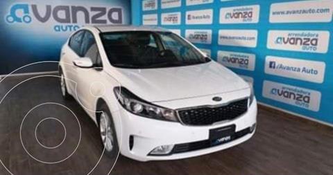 Kia Forte Sedan EX usado (2018) color Blanco financiado en mensualidades(enganche $80,630 mensualidades desde $8,533)