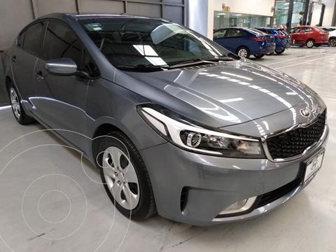 Kia Forte Sedan LX usado (2018) color Gris precio $224,900