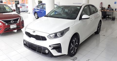 Kia Forte Sedan LX usado (2020) color Blanco precio $274,900