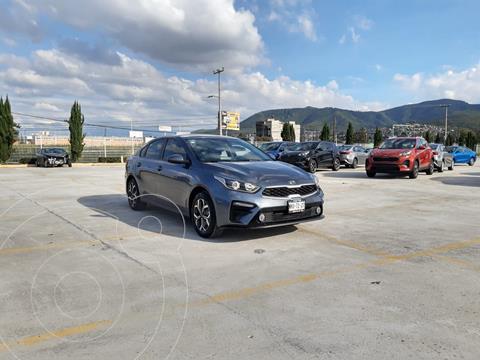 Kia Forte Sedan 2.0L LX usado (2020) color Gris precio $318,900