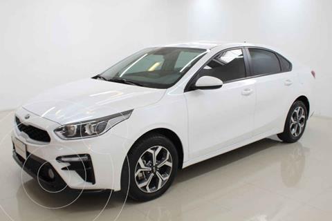 Kia Forte Sedan LX Aut usado (2019) color Blanco precio $288,000