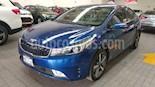 Foto venta Auto usado Kia Forte 5p SX L4/2.0 Aut (2017) color Azul precio $245,000