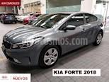 Foto venta Auto usado Kia Forte 5p SX L4/2.0 Man (2018) color Gris precio $245,000