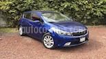 Foto venta Auto Seminuevo Kia Forte HB EX Aut (2017) color Azul Celeste precio $235,000