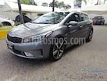 Foto venta Auto usado Kia Forte HB SX (2017) color Gris Metalico precio $260,000