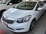 Foto venta Auto usado Kia Forte LX Aut (2016) color Blanco precio $189,500