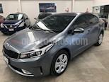 Foto venta Auto usado Kia Forte LX (2017) color Gris precio $205,000