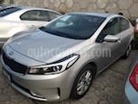 Foto venta Auto usado Kia Forte LX (2018) color Plata precio $215,500