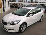 Foto venta Auto Seminuevo Kia Forte LX (2016) color Blanco precio $195,000