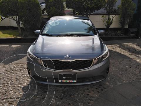 Kia Forte Sedan L Aut usado (2018) color Gris Oscuro precio $200,000