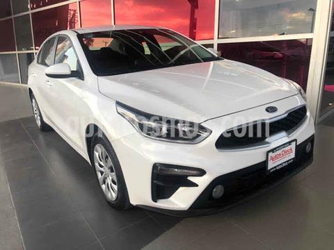 Kia Forte L usado (2020) color Blanco precio $245,000
