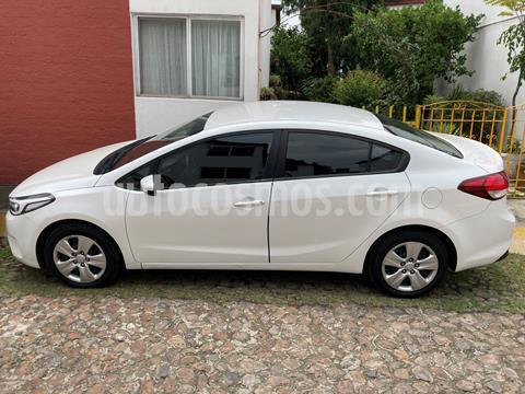 Kia Forte Sedan LX Aut usado (2017) color Blanco Perla precio $155,000