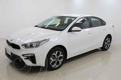 Kia Forte Sedan LX Aut usado (2020) color Blanco precio $298,000