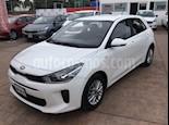 Foto venta Auto usado Kia Rio Hatchback L color Blanco precio $219,000