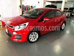 Foto venta Auto Seminuevo Kia Rio Hatchback LX (2017) color Rojo precio $180,000