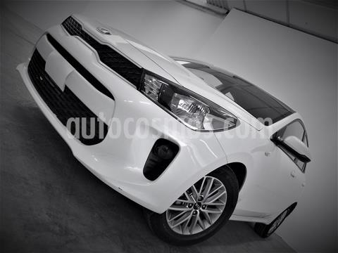 Kia Rio Hatchback LX usado (2019) color Blanco precio $194,999