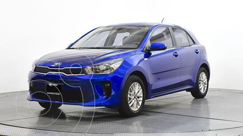 Kia Rio Hatchback LX usado (2020) color Azul precio $230,230