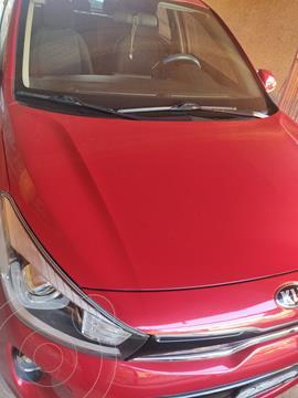 Kia Rio Hatchback EX Aut usado (2018) color Rojo Fuego precio $228,000
