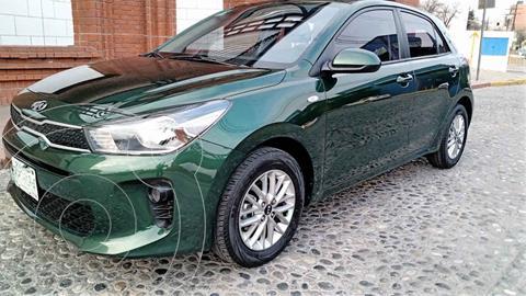 Kia Rio Hatchback LX Aut usado (2018) color Verde precio $188,000