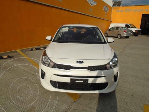 Kia Rio Hatchback LX usado (2018) color Blanco precio $215,000
