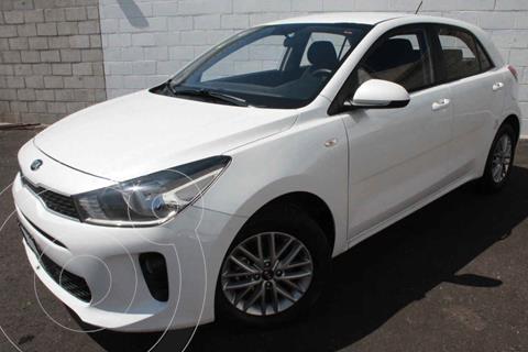 Kia Rio Hatchback LX Aut usado (2018) color Blanco precio $220,000