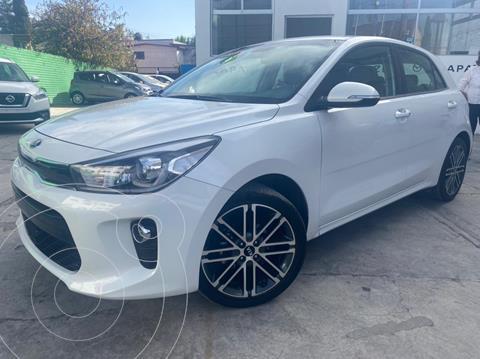 Kia Rio Hatchback EX usado (2018) color Blanco precio $240,000