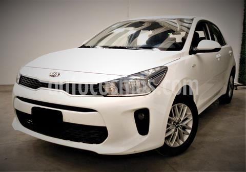 foto Kia Rio Hatchback LX usado (2019) color Blanco precio $189,999