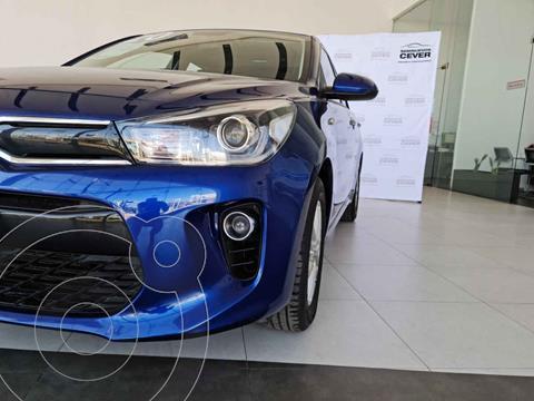 Kia Rio Hatchback LX usado (2020) color Azul precio $304,900