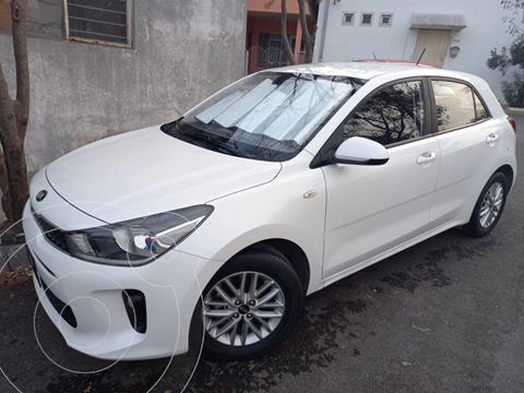 Kia Rio Hatchback LX usado (2018) color Blanco precio $199,000