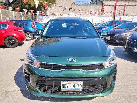 Kia Rio Hatchback EX usado (2018) color Verde Vivaz precio $218,000