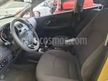 Foto venta Auto usado Kia Rio Sedan EX (2017) color Amarillo precio $209,000