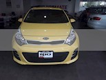 Foto venta Auto usado Kia Rio Sedan EX (2017) color Amarillo precio $191,000