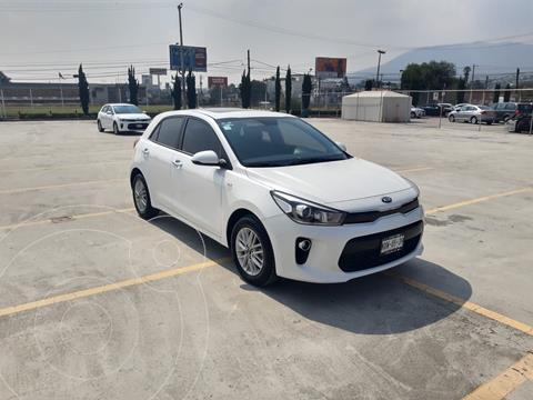 Kia Rio Sedan EX usado (2020) color Blanco precio $285,600