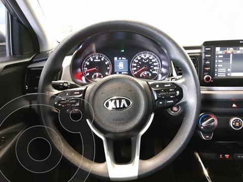 Kia Rio Sedan EX Aut usado (2019) color Gris precio $260,000