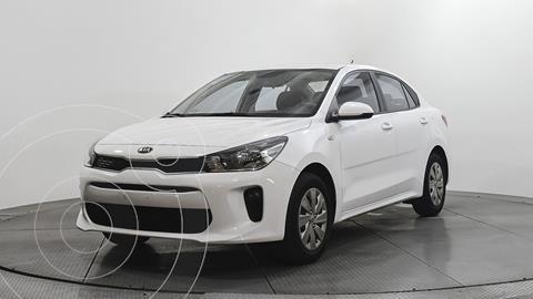 Kia Rio Sedan L usado (2020) color Blanco precio $220,700