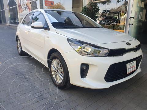 Kia Rio Sedan LX Aut usado (2020) color Blanco precio $260,000