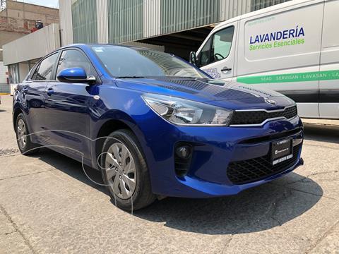 Kia Rio Sedan L Aut usado (2020) color Azul financiado en mensualidades(enganche $53,500 mensualidades desde $65,000)