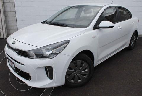 Kia Rio Sedan L usado (2020) color Blanco precio $230,000