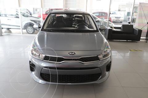 Kia Rio Sedan L usado (2020) color Gris precio $220,000