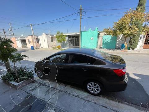 Kia Rio Sedan LX usado (2017) color Marron precio $140,000