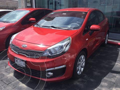 Kia Rio Sedan LX usado (2017) color Rojo Cobrizo precio $188,000