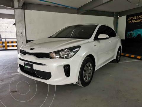 Kia Rio Sedan L Aut usado (2018) color Blanco precio $205,000