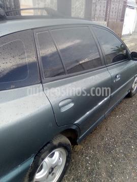 Kia Rio Hatch Back LS Auto. 1.5 usado (2001) color Verde precio BoF2.021.000
