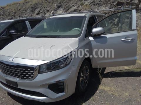 Kia Sedona SXL usado (2020) color Plata Dorado precio $810,000