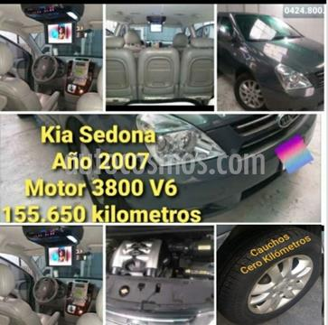 Kia Sedona EX 3.8L Di usado (2007) color Gris precio u$s6.500