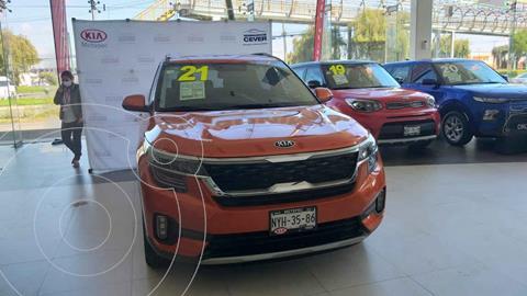 Kia Seltos SX  usado (2021) color Naranja precio $440,000