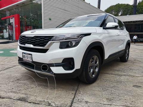 Kia Seltos EX Aut usado (2020) color Blanco precio $355,000