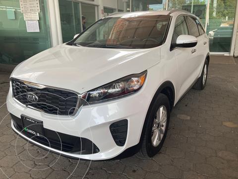 Kia Sorento 2.4L LX 5 Pas usado (2019) color Blanco precio $419,000