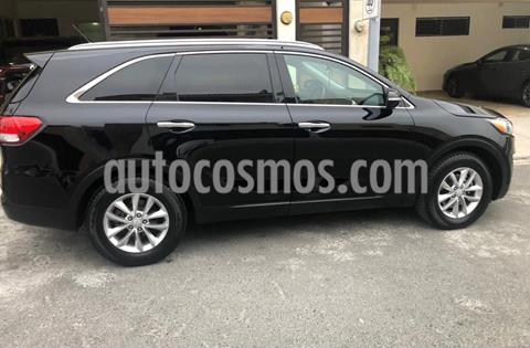 Kia Sorento 2.4L LX 5 Pas usado (2016) color Negro precio $232,000